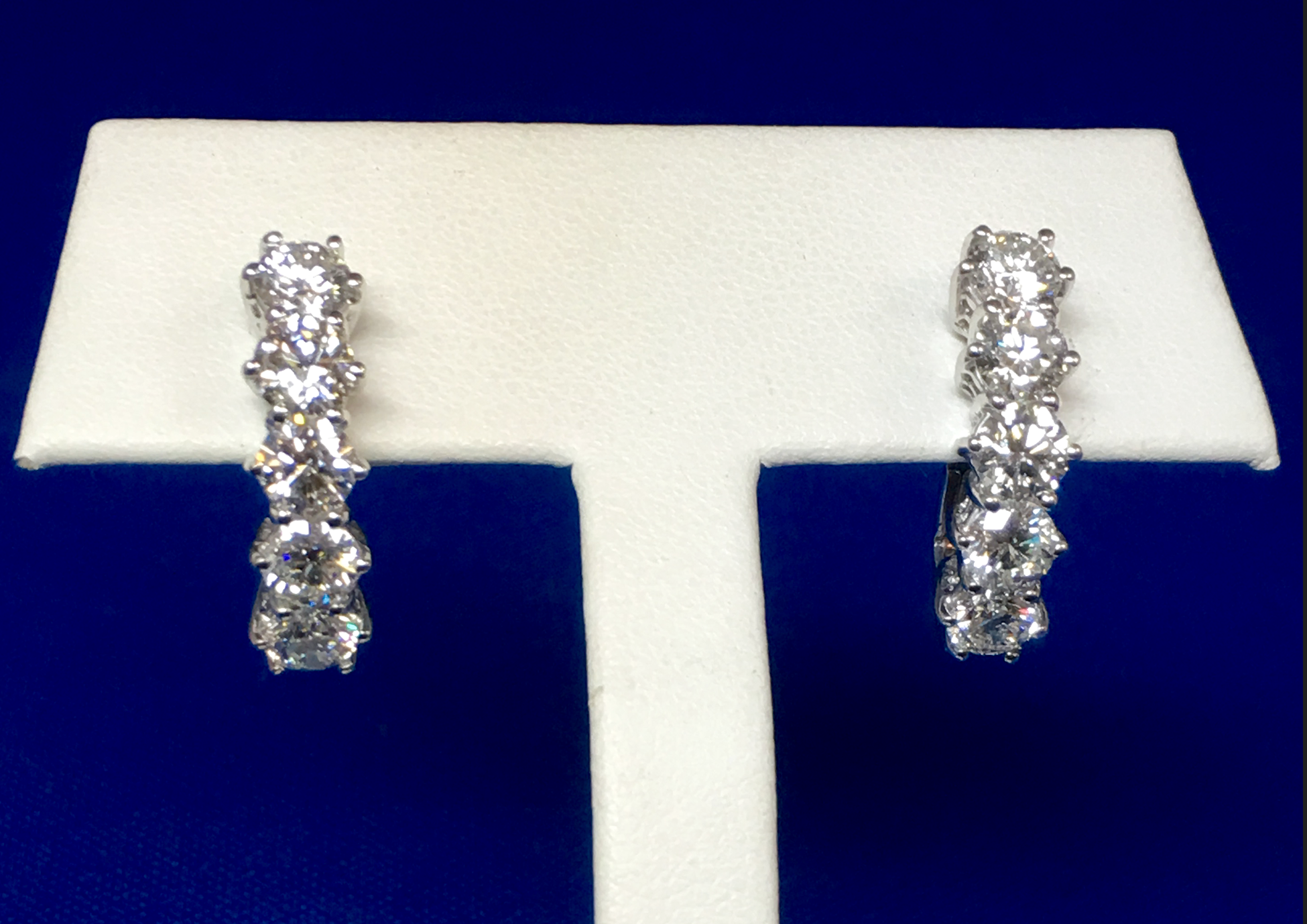 Beautiful 3.5 CTTW Diamond Earrings